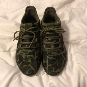 Brand new used only once Sneakers!